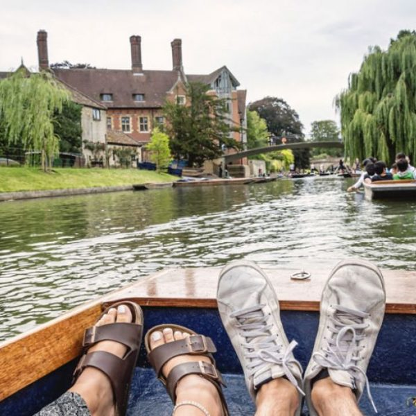View of a punt in Cambridge © VisitBritain / Laku Davies