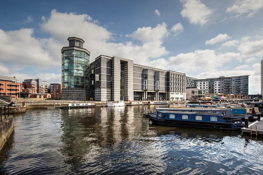 Royal Armouries exterior incl. Leeds Dock