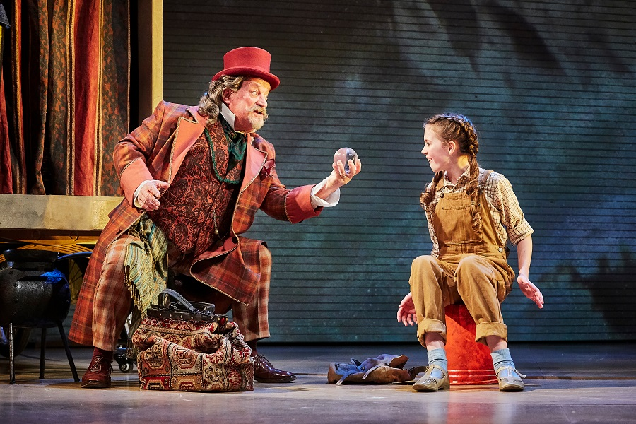 Graham Hoadly (Professor) and Agatha Meehan (Dorothy) in The Wizard of Oz. Photography by The Other Richard