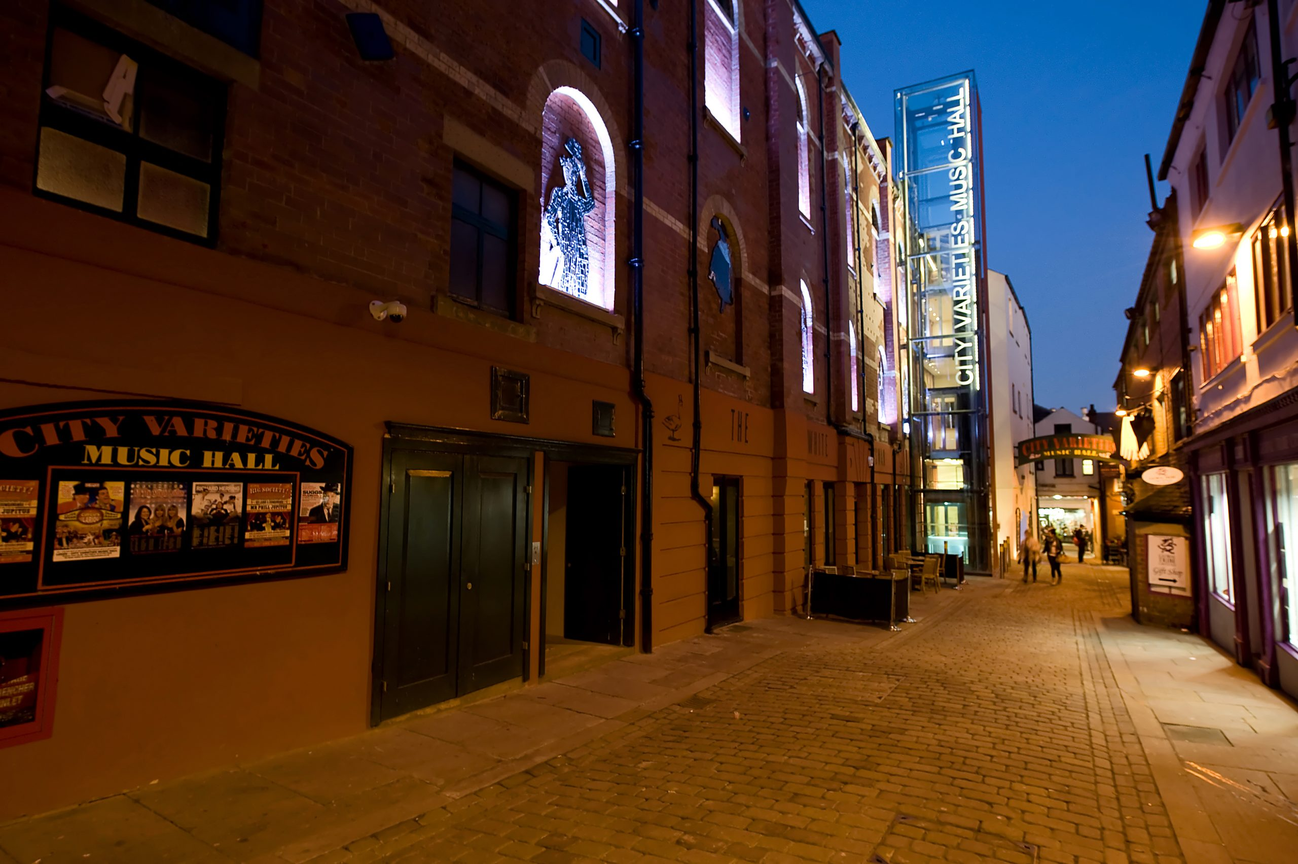 Swan Street (City Varieties) - Photographer Tony O'Connell
