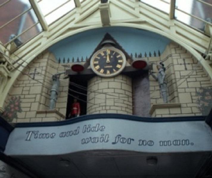 Grand Arcade clock